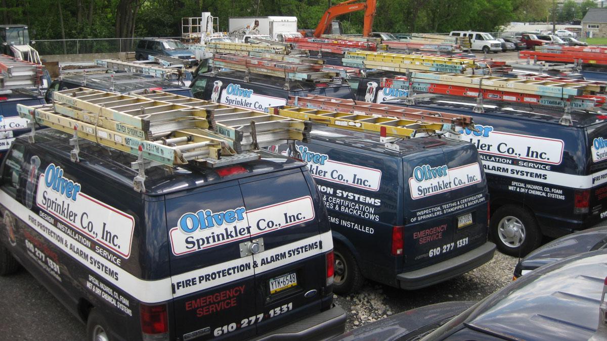 Emergency_work_trucks